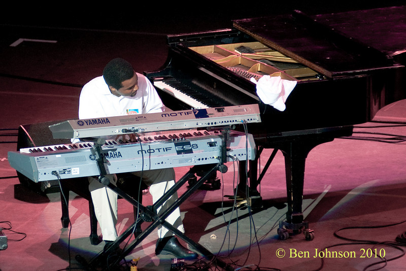 Fortner Sullivan photo - with Stefon Harris Performing at The 33rd ANNUAL FREIHOFER'S SARATOGA JAZZ FESTIVAL June 26 - 27, 2010, at The Saratoga Performing Arts Center in Saratoga, NY
