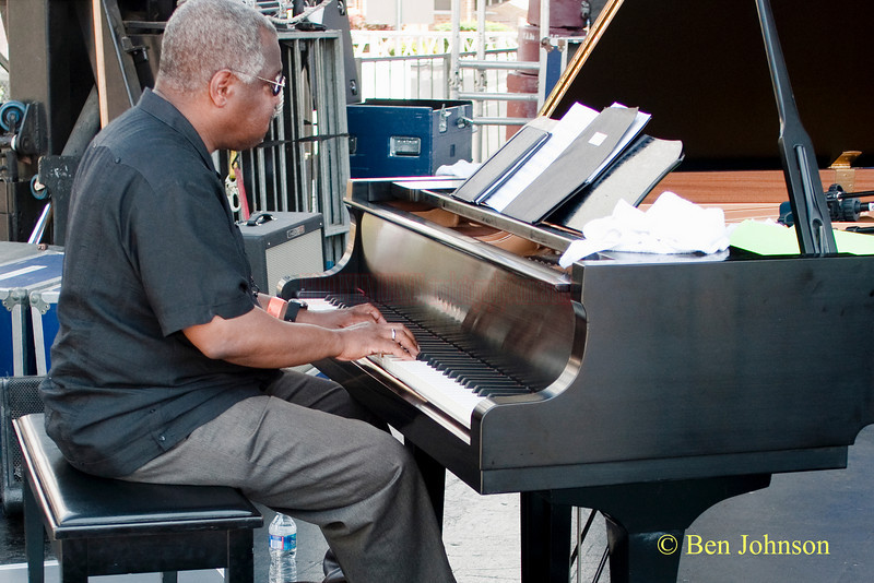 Michael Cochrane photo - performing with Sonny Fortune at The 2010 West Oak Lane Jazz Festival