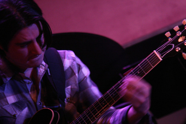 20071231 David Caceras at Ovations