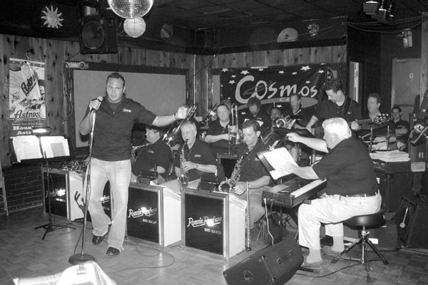 20070225 Ronnie Renfow Big Band @ Cosmos