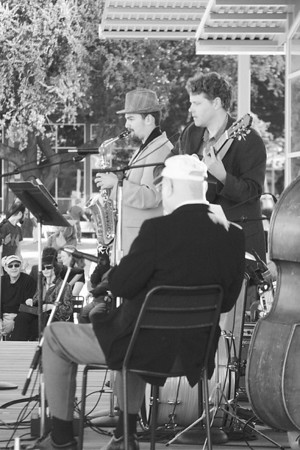 20091101 The Old School Swing Band @ Discovery Green