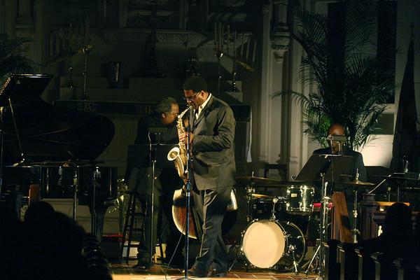 2010 (4) Brad Leali with Bob Henschen Trio