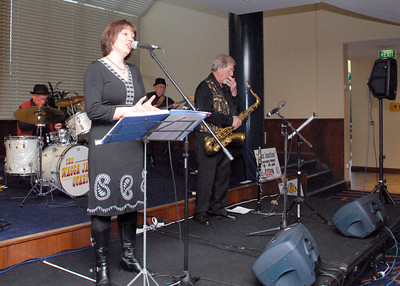 11/10/09 Wagga Jazz Quartet with Bec Mutton