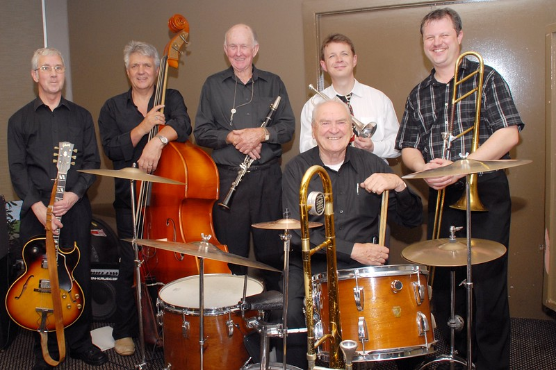 (l to r) Peter Massey, Peter Brown, Ian Welsh, Geoff Power, Al Harrison, David Saxon - the Peter Brown All Stars, including special guest, Geoff Power.