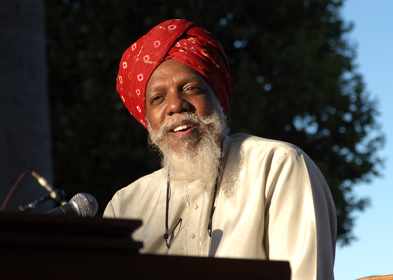Dr. Lonnie Smith performs at the Fillmore Fridays festival in San Francisco on September 10, 2004.