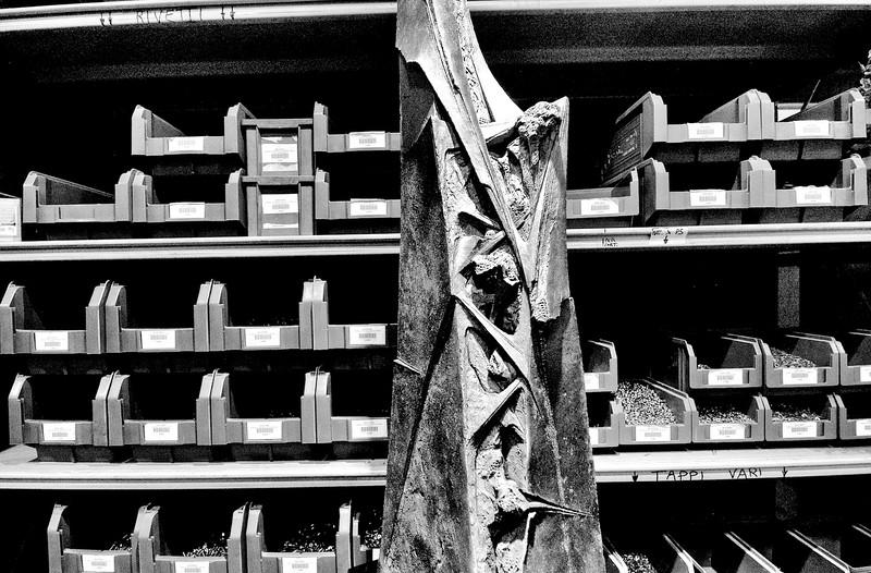 scultura (bucchero) di Michelangelo Tallone