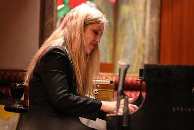 Anke Helfrich