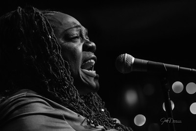 Thornetta Davis - Dirty Dog Jazz Cafe - 12/15/2016