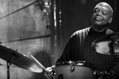 Oliver Nevels Trio - Cliff Bell's - 12-26-2017