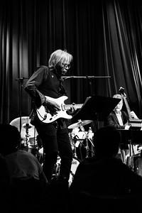 Jesse Seales, Guitar
