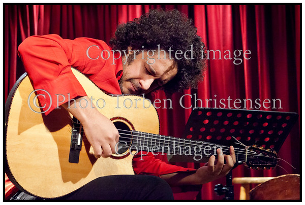 Den Brasilianske guitarist Diego Figueiredo på scenen i Jazzhus Montmartre torsdag 22. marts 2012<br />    ------   <br /> The Brazilian guitarist Diego Figueiredo on stage in Jazzhus Montmartre Thursday, March 22, 2012. Photo: © Torben Christensen © Copenhagen