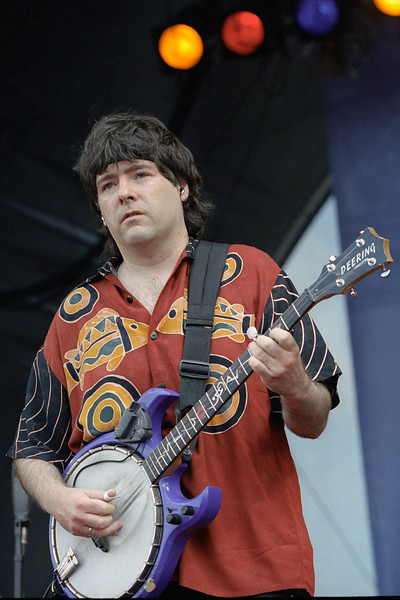 Bela Fleck performing at the New Orleans Jazz & Heritage Festival on May 4, 2000.