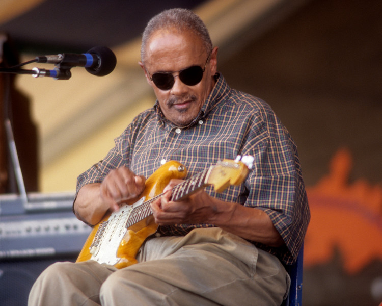 Snooks Eaglin performing at the New Orleans Jazz & Heritage Festival on May 2, 1998.