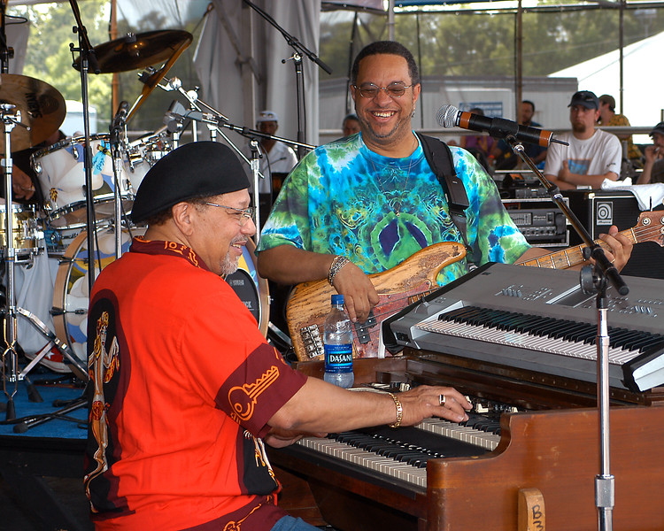 NEW ORLEANS, LA-MAY 1: (L-R): Art Neville and George Porter, Jr. performing at the New Orleans Jazz & Heritage Festival on May 1, 2004. (Photo by Clayton Call/Redferns)