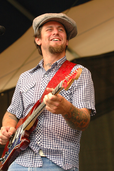 Eric Lindell performs at the New Orleans Jazz & Heritage Festival on May 5, 2006.