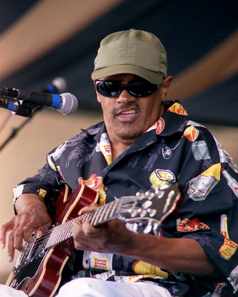Snooks Eaglin performing at the New Orleans Jazz & Heritage Festival on April 30, 2000.