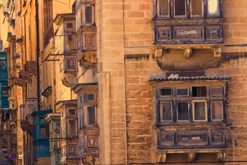 Dynamically complex, Malta is a place to be & a place to be in exile. Looking out, there is nothing but sea. Looking in, there is nothing but a labyrinth of streets mixed with arid land.