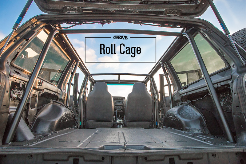 Jeep XJ Roll Cage - Jake Grove Photo