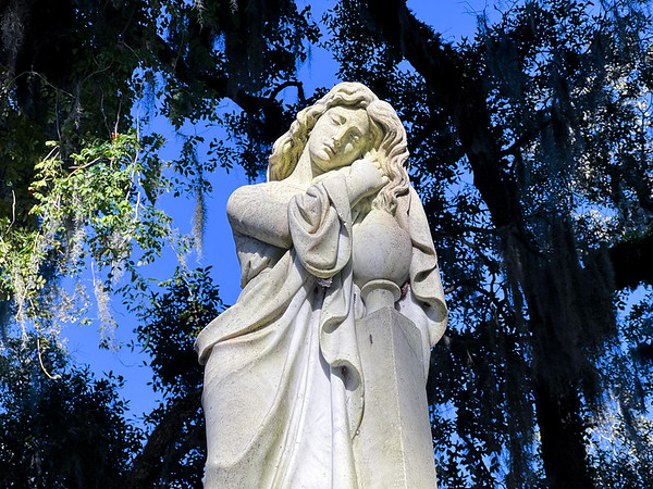 Bonaventure Cemetary statue