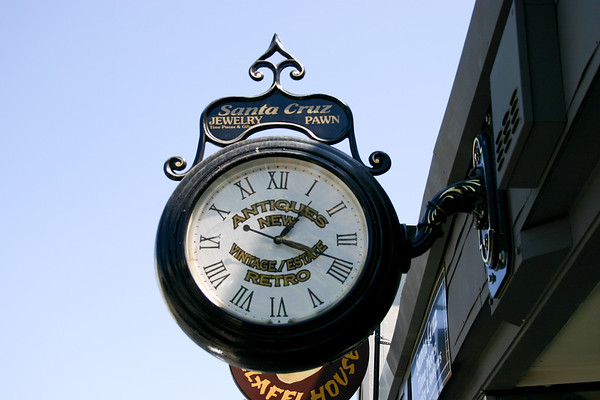 The downtown clock on Walnut Avenue was long a fixture of downtown