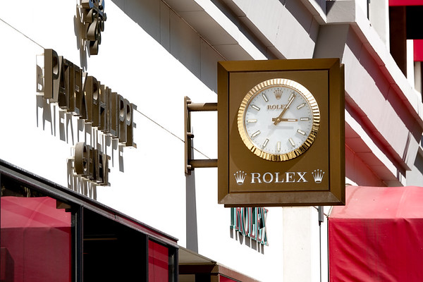 The clock for the Rodeo Drive Rolex store