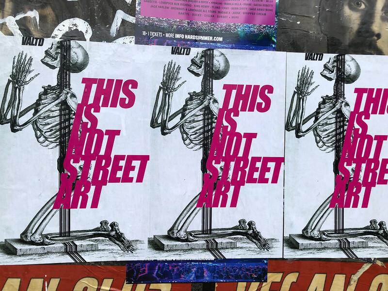 Street art by Valtd