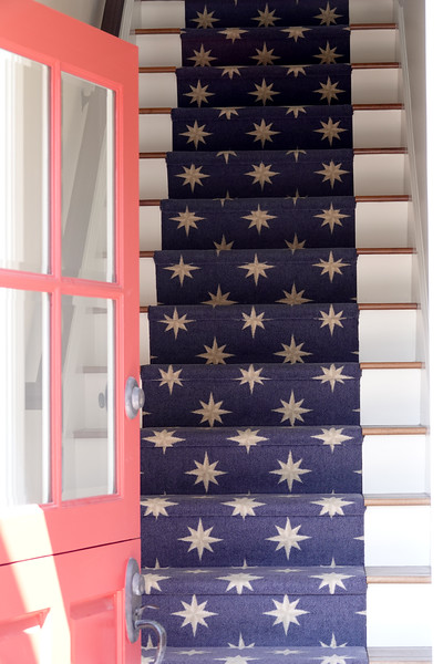 Residents are very patriotic on Balboa Island. Here's a home with flag themed carpet.