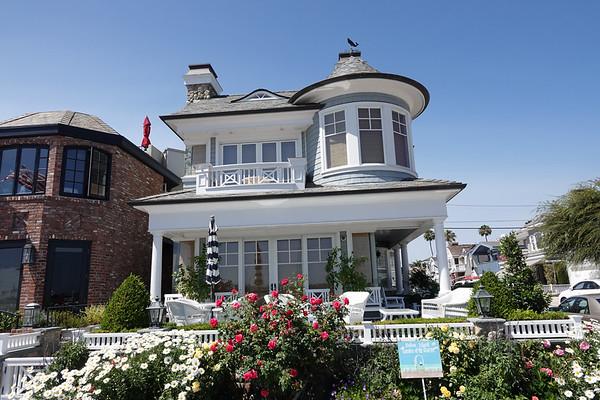 A home by the sea on Balboa Island