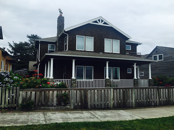 A local Cannon Beach home by the sea, overlooking the ocean