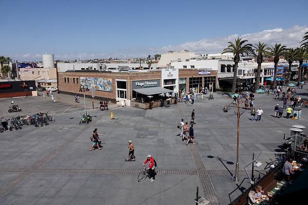 """Pier Plaza"""