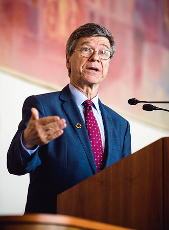 Jeffrey Sachs v Praze: o Cílech udržitelného rozvoje (SDGs)
