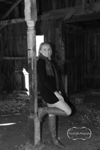 Jenna_Light_Senior_Portrait_Sutton_HS_2016_B&W_IMG_9661