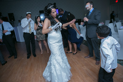 15_dancing_ReadyToGoPRODUCTIONS com_New York_New Jersey_Wedding_Photographer_J+P (1390)
