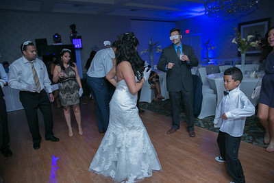 14_dancing_ReadyToGoPRODUCTIONS com_New York_New Jersey_Wedding_Photographer_J+P (1391)
