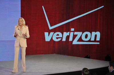 Jennifer Lopez Verizon Press Conference