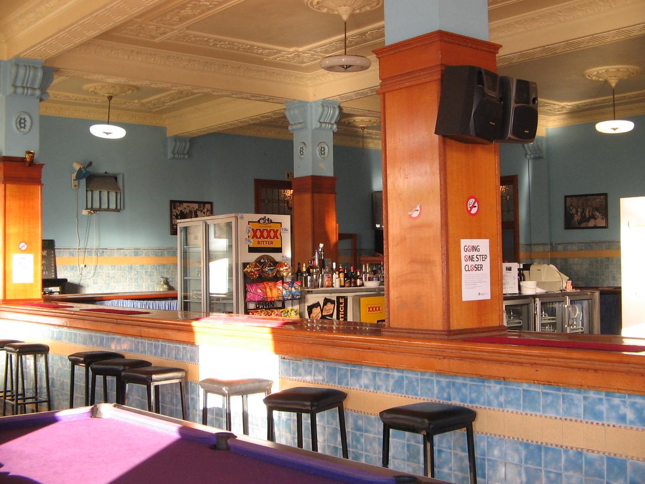 corones bar