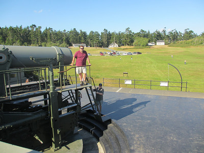 Next stop was Ft. Casey - here the guys are getting up close and personal with one of the naval guns.