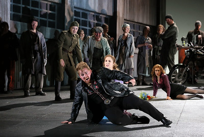 ENO Jenufa Nicky Spence, Laura Wilde and ENO Chorus (c) Donald Cooper