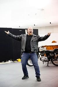 ENO Jenufa Rehearsal Nicky Spence (c) Donald Cooper