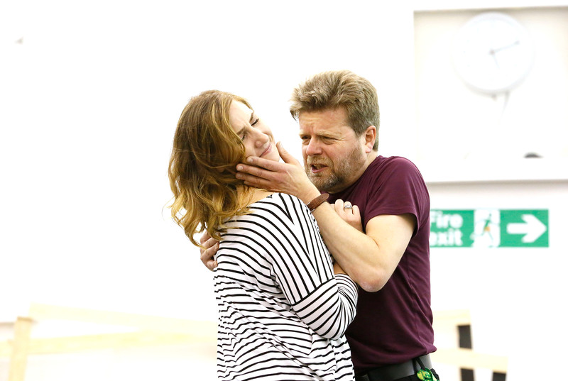 ENO Jenufa Rehearsal Laura Wilde and Peter Hoare 2 (c) Donald Cooper