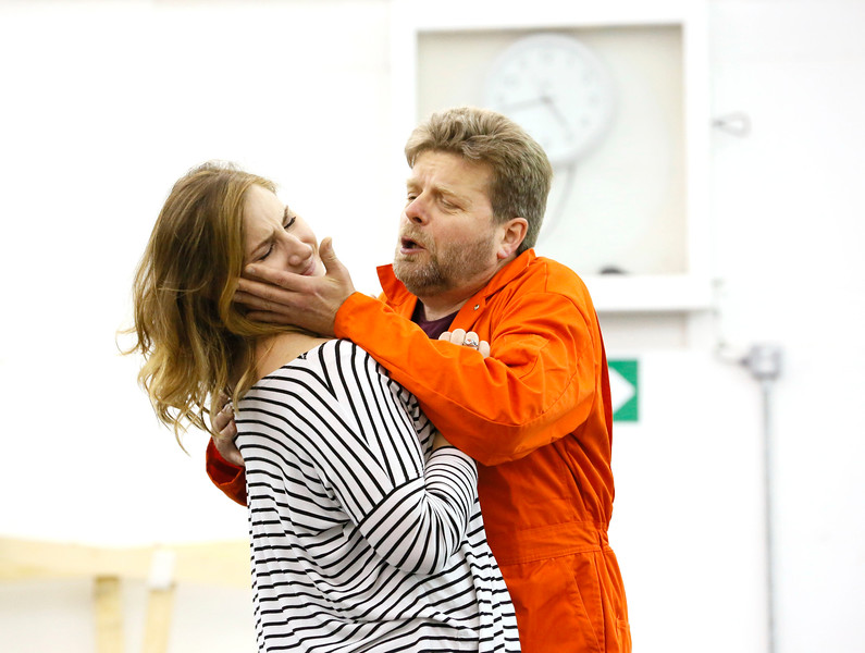 ENO Jenufa Rehearsal Laura Wilde and Peter Hoare (c) Donald Cooper