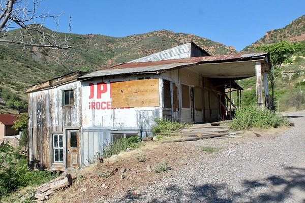 Historic service station on State Route 89A (2020)