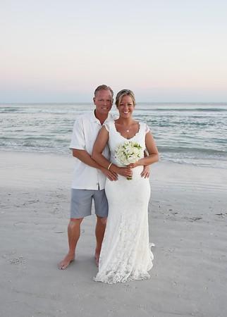 Beautiful wedding at Siesta Key Beach, FL