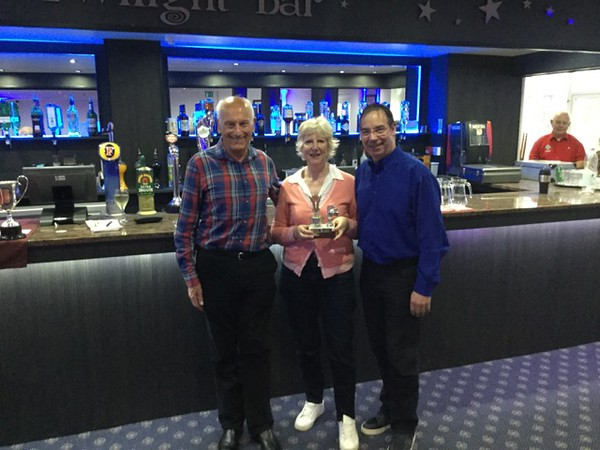 2017 Festival - Championship Pairs: Kathy Talbot & Denis Talbot (with Norman Le Cocq CICBA Chairman )
