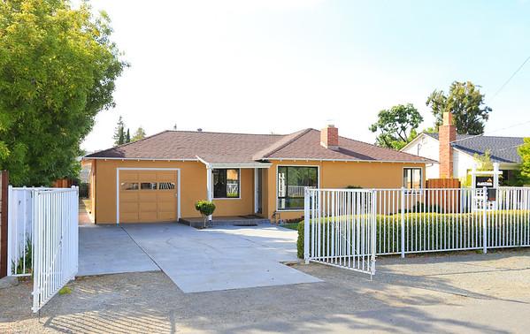 481 Carmelita Dr, Mountain View CA 94040