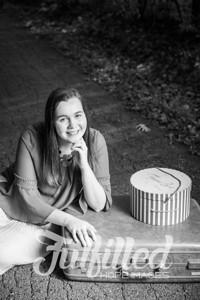 Jessica Sproat Senior Portraits (8)