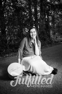 Jessica Sproat Senior Portraits (16)
