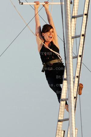 Jessica Stroup on 90210 set