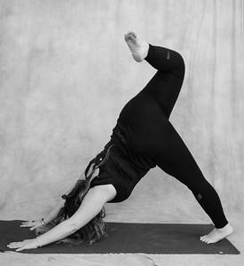 jessica-stec-yoga-011-bw
