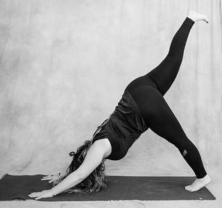 jessica-stec-yoga-012-bw